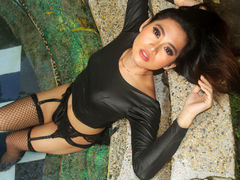xxSEXROYALTYxx - shemale with black hair and  small tits webcam at LiveJasmin