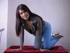 xxxDebaineTopxxx - shemale with black hair webcam at LiveJasmin