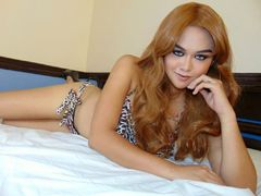 xYOUngNaughtyToP - shemale with black hair webcam at LiveJasmin