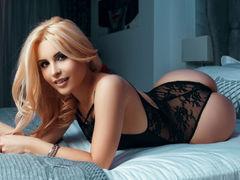 YaniraLove - blond female webcam at LiveJasmin