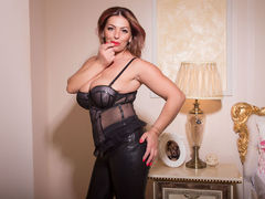 MILFDelicious - female with black hair and  big tits webcam at xLoveCam