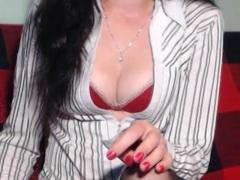 1KinkyBrunette - female with black hair webcam at xLoveCam
