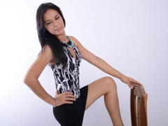 1AlessandraHot - shemale with black hair webcam at LiveJasmin