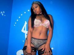 AmyBiGAss - female with black hair webcam at ImLive