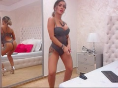 AmyRides - blond female webcam at xLoveCam