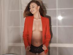 BelleGlorya - blond female webcam at xLoveCam