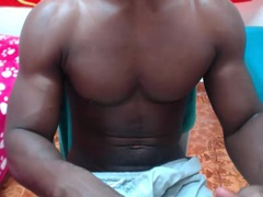 BigBlackMuscle from xLoveCam