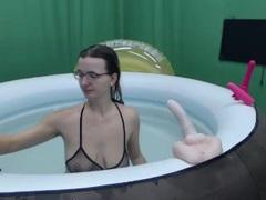 Bordelaise - blond female with  big tits webcam at xLoveCam