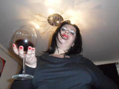 Carolina69 - female with black hair webcam at xLoveCam