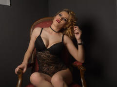 Ceelyne - blond female with  big tits webcam at xLoveCam