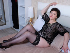 ChristaRose - female with brown hair webcam at ImLive