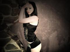 Coryna - female with brown hair webcam at xLoveCam