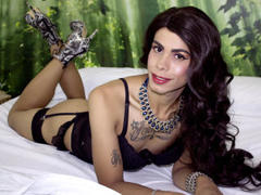 Dakkotha - blond shemale with  big tits webcam at xLoveCam
