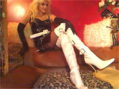 DominatrixChris - blond female with  big tits webcam at xLoveCam