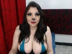 EdnnaMature - female with brown hair and  big tits webcam at xLoveCam