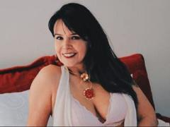 EvaLuvhot - female with brown hair and  big tits webcam at ImLive