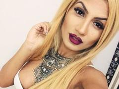 EveHottie - blond female with  big tits webcam at xLoveCam