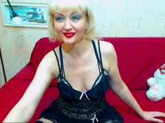 FlirtyXMary - female with red hair and  big tits webcam at ImLive