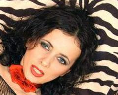 Fontaine - female with brown hair webcam at xLoveCam