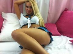 GloriaTranny - blond shemale webcam at xLoveCam