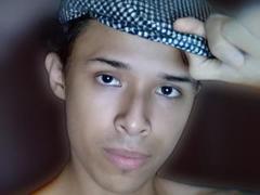 Hercolezz - male webcam at xLoveCam
