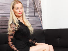 AlinaOnlly - blond female webcam at ImLive