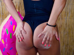 HotLiss - female with brown hair webcam at LiveJasmin