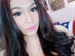 HotNSexyJulia from xLoveCam