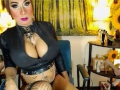 XHotStephanieX - shemale with brown hair and  small tits webcam at LiveJasmin