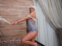 HotBlondeToLove - blond female webcam at xLoveCam