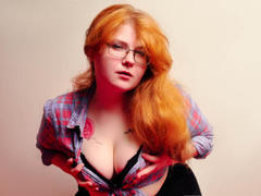 JanePerkyBuns - female with red hair and  big tits webcam at ImLive