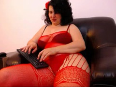 JuicyCugar - female with brown hair and  big tits webcam at xLoveCam
