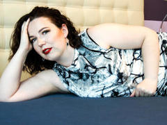 KarinaXSweet - female with black hair and  big tits webcam at xLoveCam