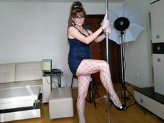 AnnaMiss - female with red hair webcam at xLoveCam