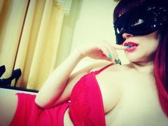 KisUlyaanna - female with brown hair webcam at xLoveCam
