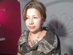 LadyLucky - female with brown hair webcam at xLoveCam