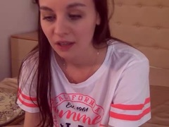 EmmaXtreme - female with brown hair webcam at LiveJasmin