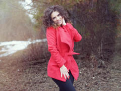 LuccyleMooreX - female with brown hair webcam at ImLive