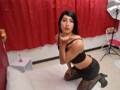 MaloryPrinss - shemale with black hair webcam at xLoveCam