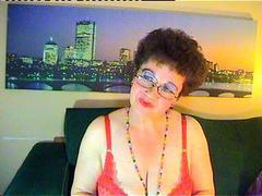 MaturMilf - female with brown hair and  big tits webcam at xLoveCam