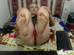 MatureCoquine - blond female with  big tits webcam at xLoveCam