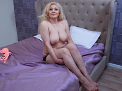 SexyChristie - blond female with  big tits webcam at LiveJasmin