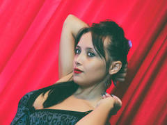 MedeeaSweet - female with red hair webcam at xLoveCam