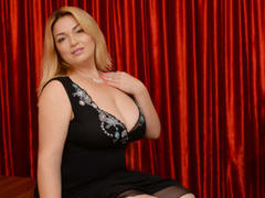 NaomiSensuel - blond female with  big tits webcam at xLoveCam