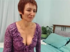 NaturalWoman - female with brown hair webcam at xLoveCam