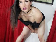 SexySaraTs from xLoveCam