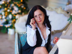 AnisiaPalma - female with black hair and  small tits webcam at LiveJasmin