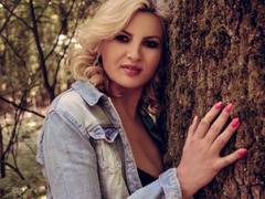 SaraLongLegs - blond female with  big tits webcam at xLoveCam