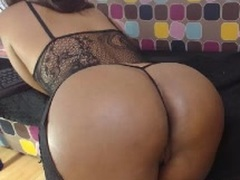 MariuSexy - female with brown hair and  big tits webcam at LiveJasmin