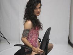 ShanaAdams77 - shemale with brown hair webcam at ImLive
